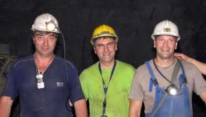 Мирослав-Моца Стојановић (у средини) са колегама
